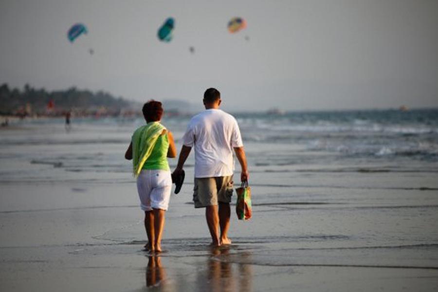 walk-through-goa-beach